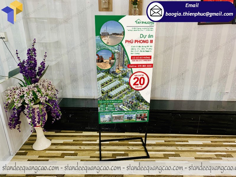 in poster khung standee 2 mặt giá rẻ ở quận 11