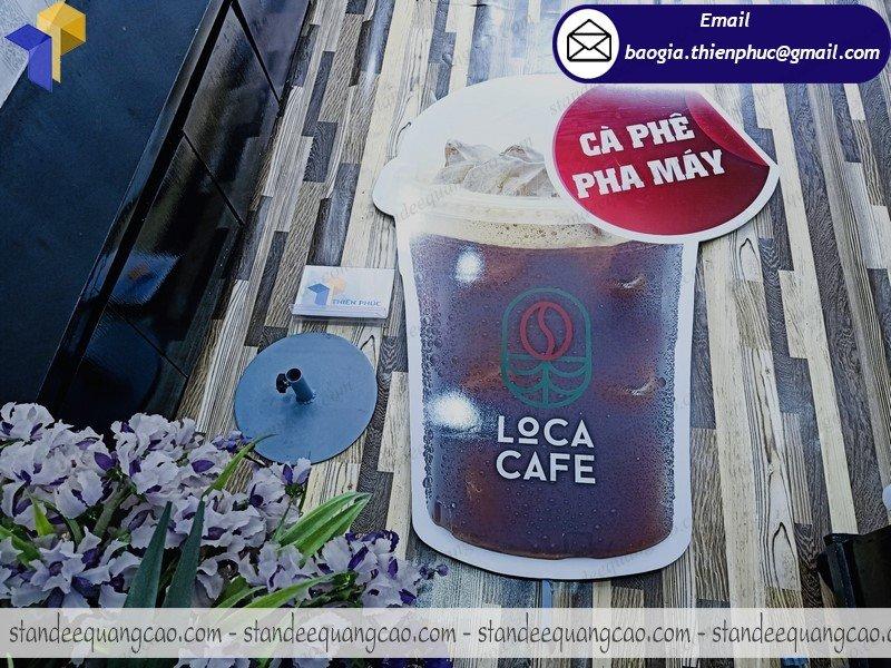 thiết kế standee mô hình ly cafe